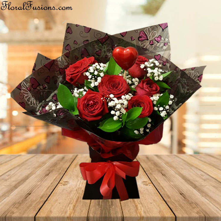 6-Naomi-Rose-Bouquet-Valentine